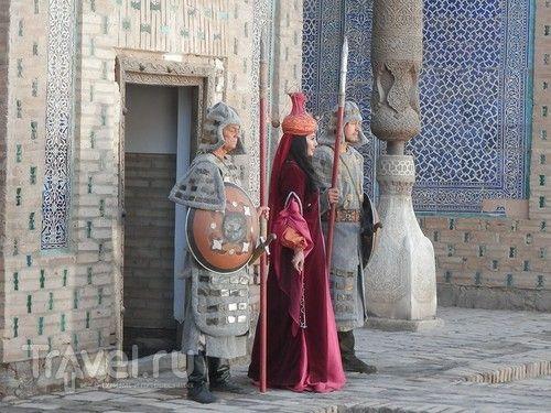 Экскурсия по Хиве: музей старого быта, большая мечеть и новый ханский дворец