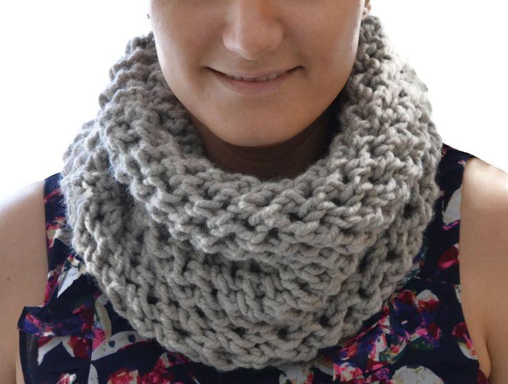 Bufanda infinita hecha a mano. Cuello color visón. Bufanda infinita otoño e invierno. Accesorios mujer. Bufanda abrigada, cálida y elegante. by Puntoapuntobebeymas on Etsy