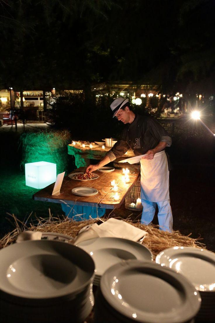 corner food cene dinamiche a bordo piscina #buffet #eventi #cadelach
