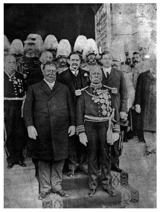 Porfirio Díaz con William H. Taft, Presidente de los Estados Unidos, El Paso, Texas, 11 de octubre de 1909. Manuel Ramos. Piezografía. Negativo original en gelatina sobre vidrio. Fondo Archivo Casasola. SINAFO-Fototeca Nacional del INAH.