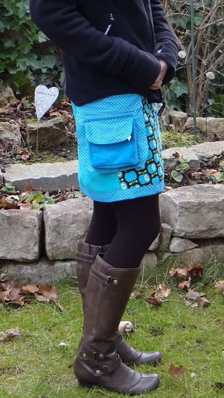 Wickelrock mit angeknöpfter Tasche. Ein wunderschönes kostenloses Schnittmuster: Midsommar Rock. Genäht von Keko-Kreativ.