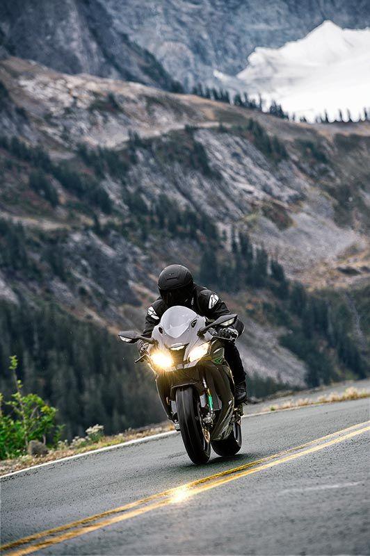 2016 NINJA® ZX™-10R ABS Supersport Motorcycle by Kawasaki