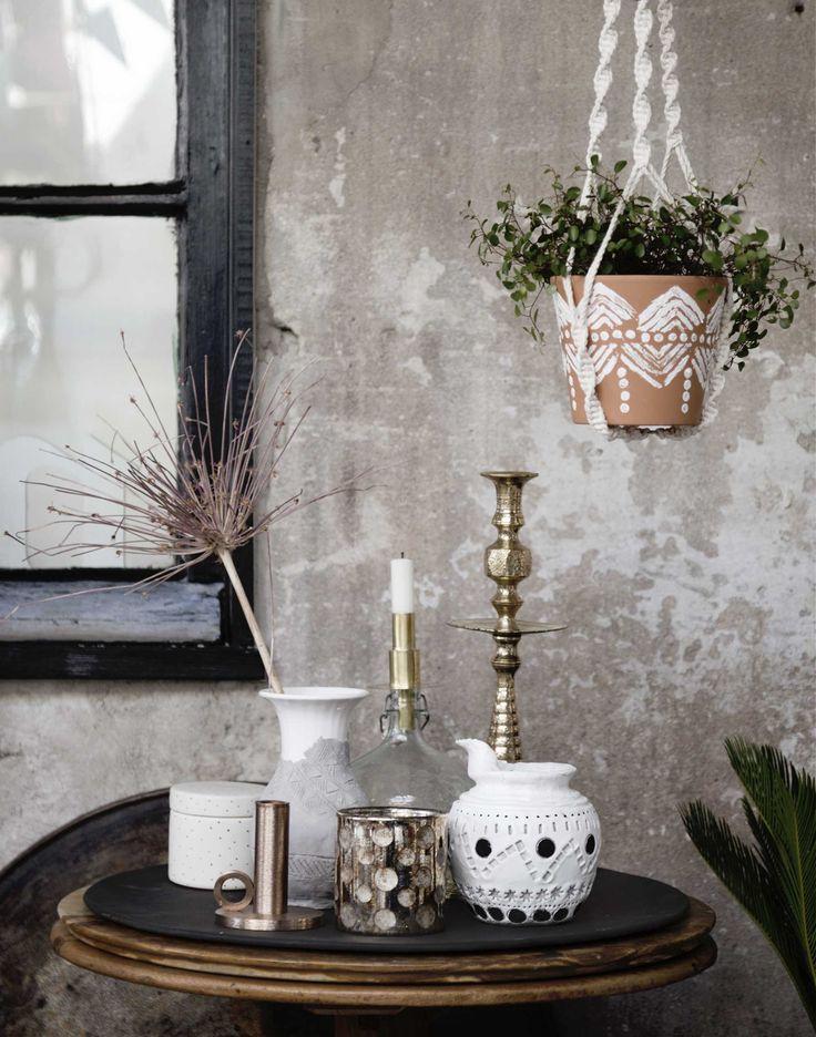 Oude en nieuwe vazen | old and new vases | vtwonen 08-2016 | styling: Anke Helmich