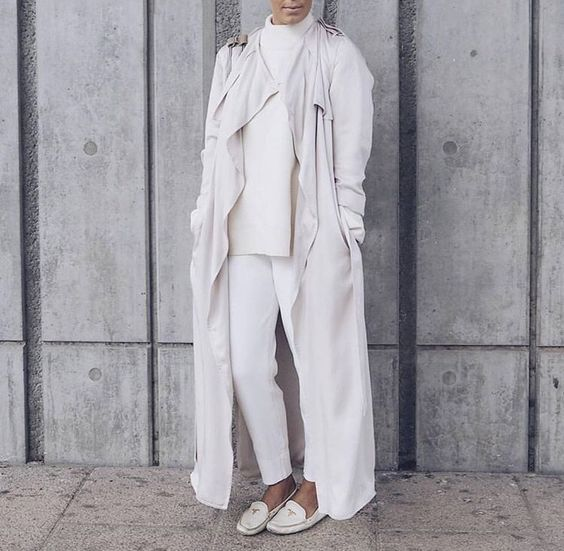 long white cardigan- jacket hijab style- Hijab spring street fashion http://www.justtrendygirls.com/hijab-spring-street-fashion/