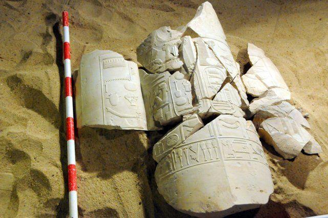 Deux importantes découvertes archéologiques en Égypte : Dans le sud du pays, à Louxor, une mission égypto-espagnole a mis au jour de nouvelles inscriptions et fresques représentant côte à côte Amenhotep III et son fils Amenhotep IV. - Photo AFP - Agence France-Presse - mapresse.ca - 6 février 2014