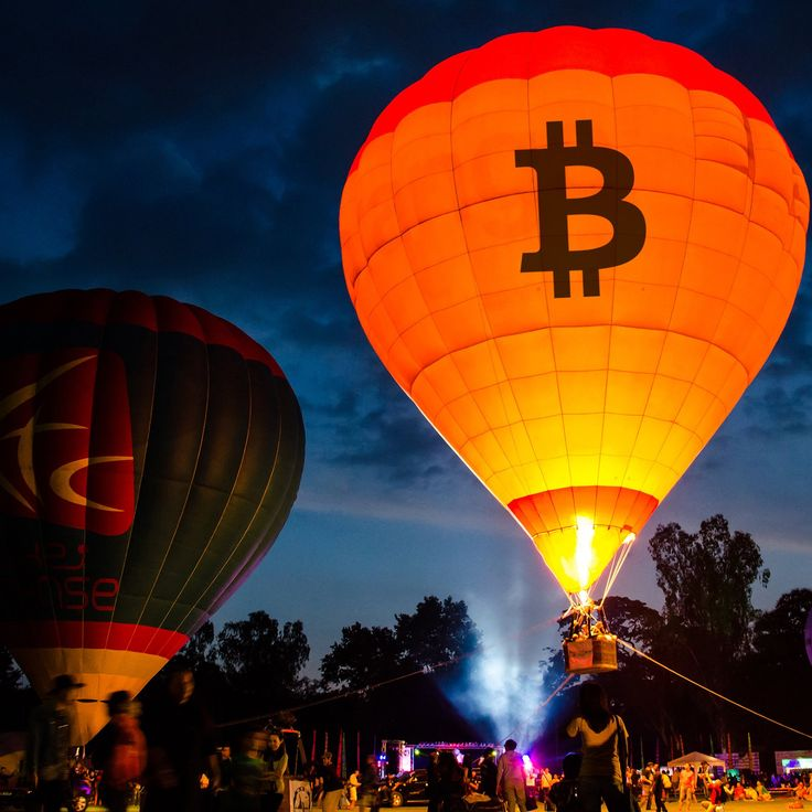 Bitcoin Markets Push the Cryptocurrency's Value to $12,000