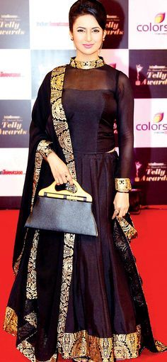 Divyanka Tripathi on the red carpet of 13th Indian Telly Awards. #Bollywood #Fashion #Style #Beauty