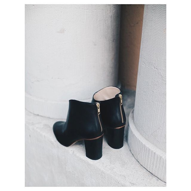 The perfect black fall boot #farahboots #atpatelier #architectural