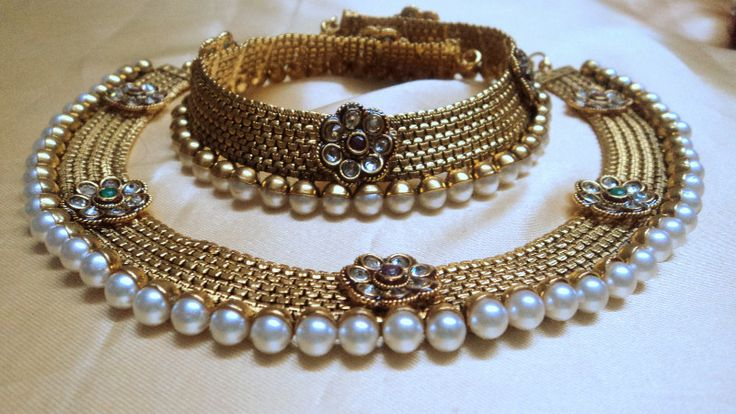 Gold and pearl anklet
