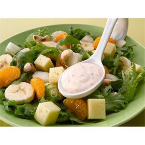 Hedelmäinen juustosalaatti