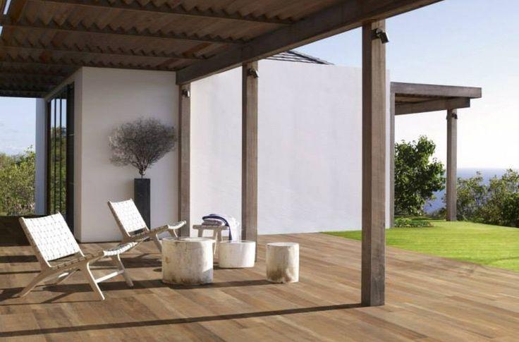 Ook buiten kan je gebruik maken van Keramisch hout.
