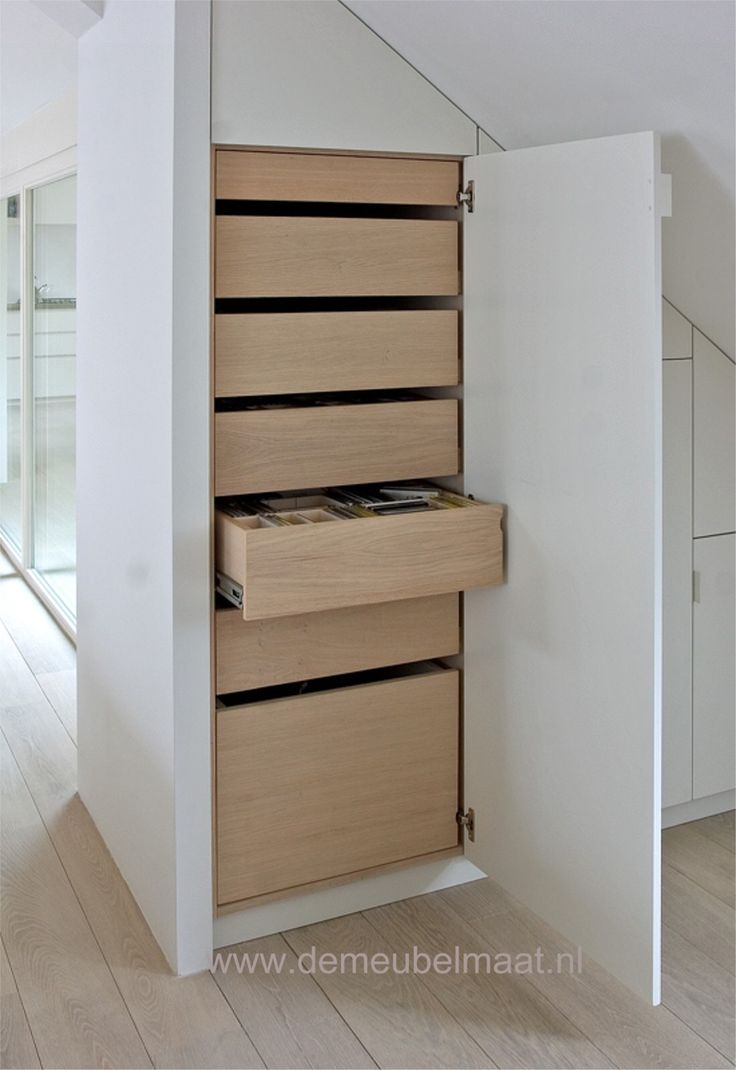Meer dan 1000 idee n over slaapkamer kasten op pinterest kast slaapkamer kast organiserend en - Idee kast onder helling ...