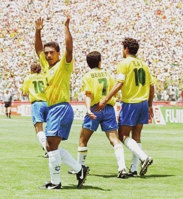 Jogavam Muito Siga Blogmundodefutebol Futebolmundial Futebol Football Romario Bebeto Rai Leonardo Copadomundo Copaamerica S Hipster Style Brazil