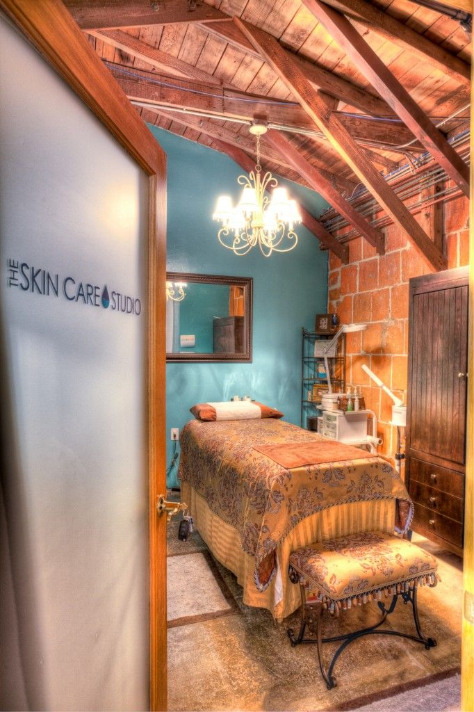 Such A Lovely And Inviting Spa Treatment Room.