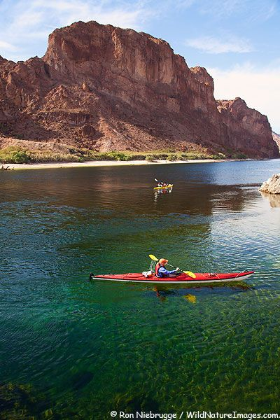 Kayaking in Black Canyon on the Colorado River, Lake Mead Recreation Area, Mojave Desert, Nevada and Arizona.
