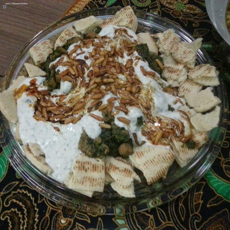 Fleisch-Spinat-Ragout mit Joghurt aus dem Libanon