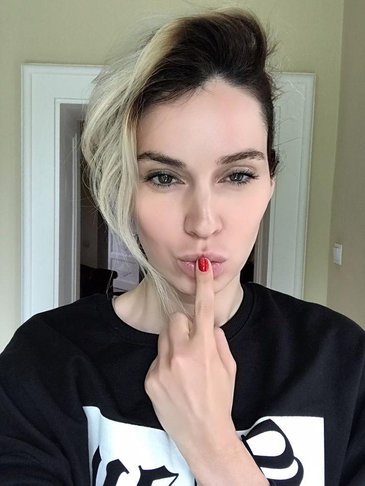 Laura Ion selfie