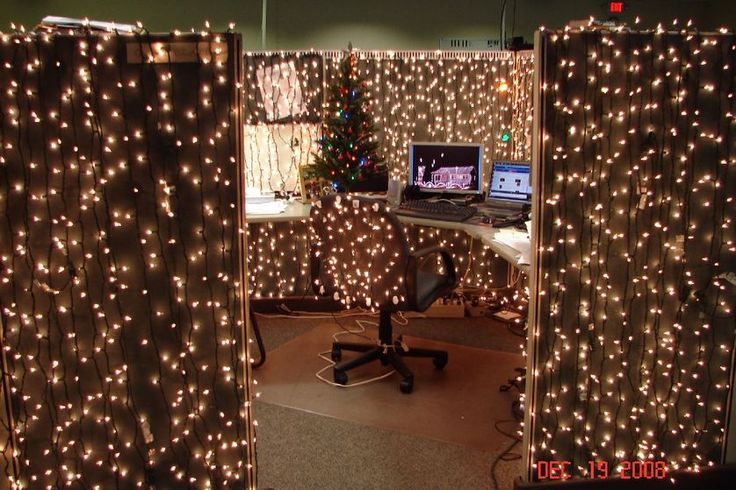Christmas cubicle decorations - Lights