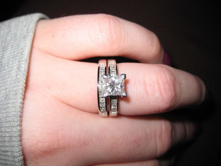 Exactly what I want! I don't care if the engagement ring has side diamonds, but I want all princess cut and in the white gold.
