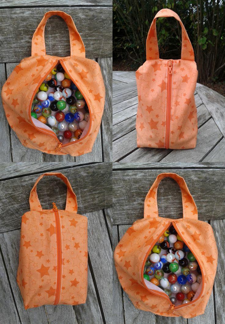 Sac de bille pour mon fils, fait avec ce tuto: http://www.pinterest.com/pin/361625045050256338/ Boxy pouch for my son, done with:http://www.pinterest.com/pin/361625045050256338/