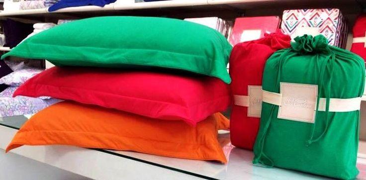 Hoje eu acordei... Alegre! Com cores super vibrantes! #marlene #brasilcoms #moda #design