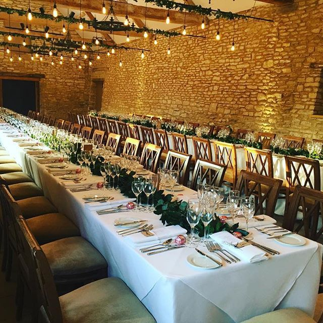 Ready ★ Steady ★ Banquet!  @caswellhouse @oakwoodevents #eventprofs #wedding #winterwedding #finedining #eventspace #indulgence #banquet #weddingtables #design #oxfordshire #barnwedding