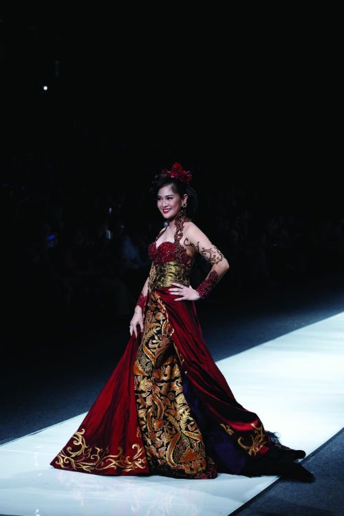 212 best Indonesia Kebaya by Anne Avantie images on Pinterest