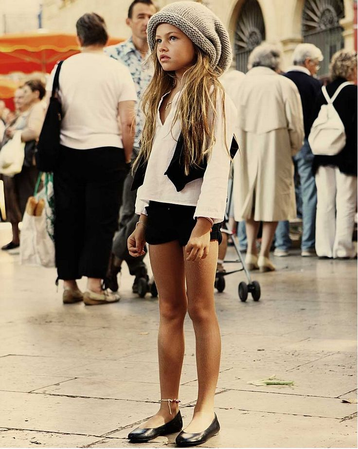 cutest knit hat: Training Stations, Little Girls, Awkward Moments, Style, Kids Fashion, Outfit, 10 Years, French Models, Thylane Blondeau