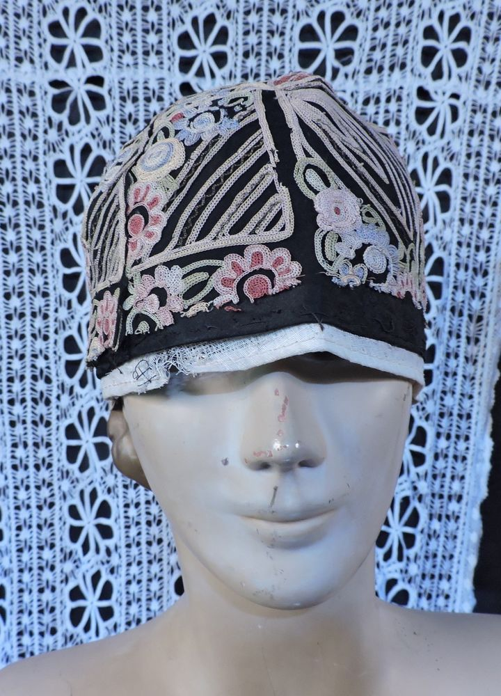 40e0538dd0275 Flapper 1920 s rich hand embroidered cloche hat 4 dress as found ...