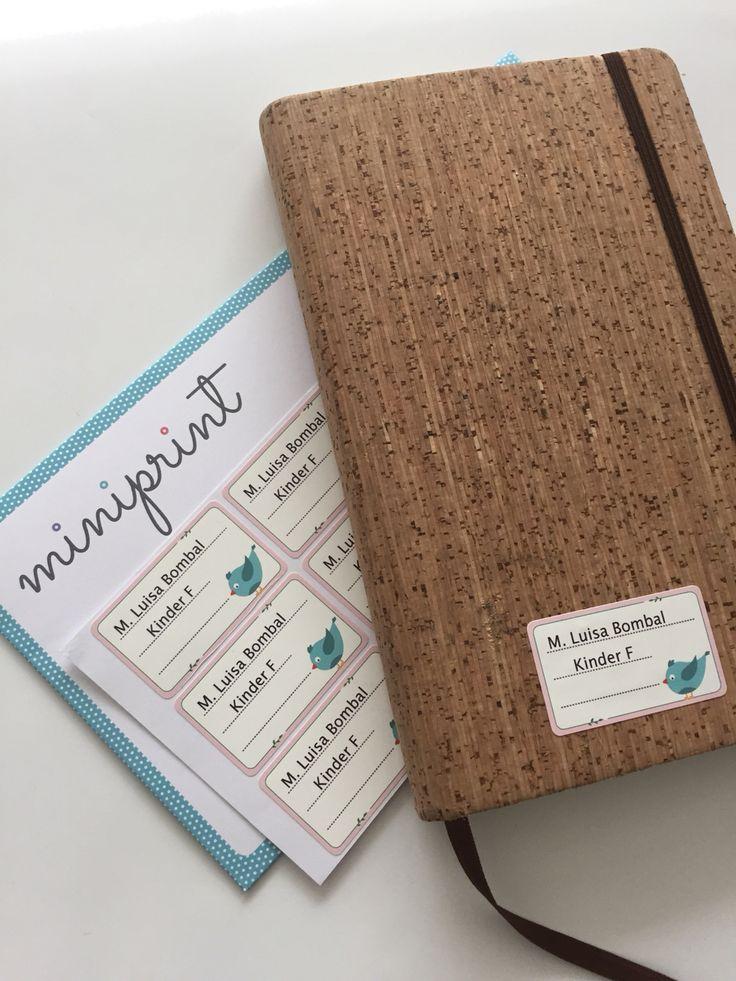 Cuadernos personalizados y marcados.