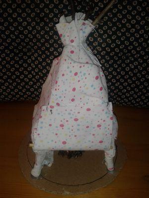 jurta textilből - ötödikes kislány műve
