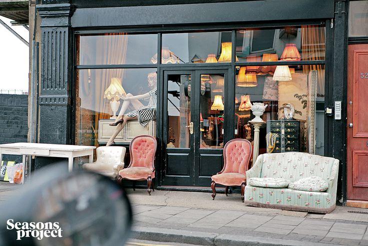 Seasons of life №60/ Spring 2009 issue. London #seasonsproject #seasons #travel #shop #London #decor #sofa #chair #armchair #Britain
