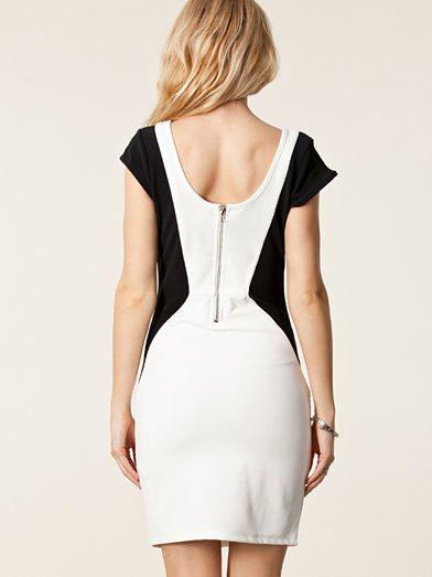 BEST- SELLERS LAATSTE NIEUWTJES Terug / Kleding-voor-haar / Kleding / Doordeweekse jurken / Vila / Kiara dress