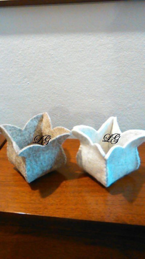 cestino in feltro a forma di un tulipano
