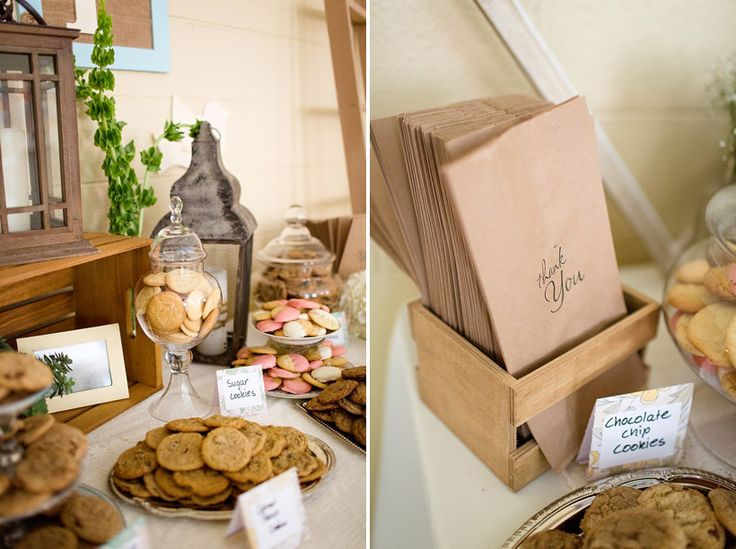 You don't need shower favors just little bags for your guests to take some homemade cookies home in...