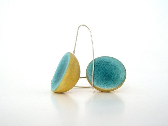 Minimal emerald yellow  dome clay earrings by AntigoniCreations
