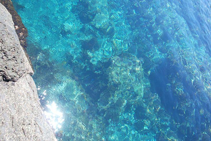 天然のプール!?とっておきの磯、トウシキ海岸へ。 おでかけコロカル 伊豆大島編