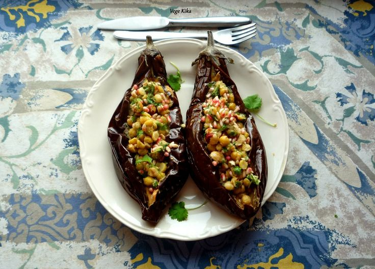 Aubergine with chickpeas http://bit.ly/1iOKyk7