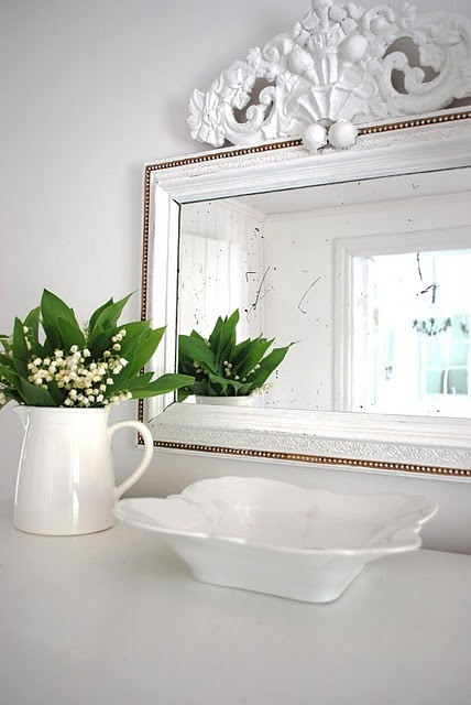 ♥ nordic mirror: White Pitchers, Mirror Fram, Mirror Mirror, Decor Fram, Nordic Mirror, Home Decor, Decoración Divina, Diy Decor, Magnif Mirror