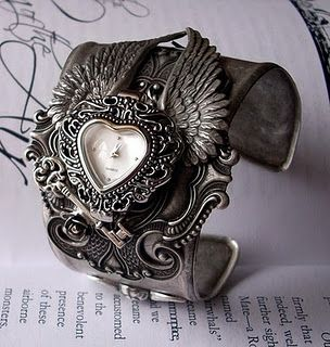 beautiful steampunk cuff style wrist watch* W&C are going to make some of these this winter. Watch for our posts*