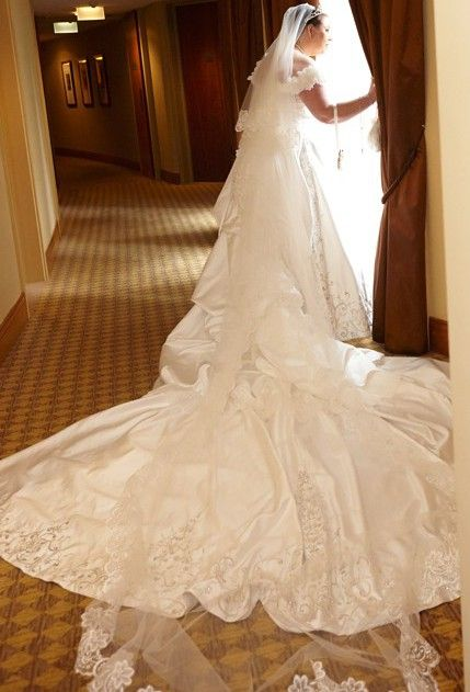 Amalia Carrara  Wedding Dress on Sale 50% Off