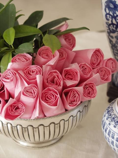 Napkin flowers as part of the centerpiece, guests can grab their own? #wedding #napkin #tablescape