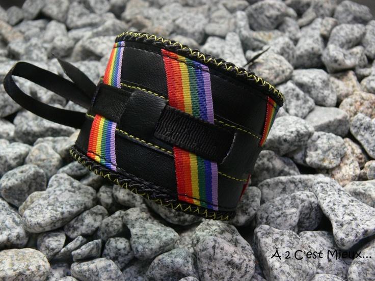 Bracelet LGBT. $20,00, via Etsy.