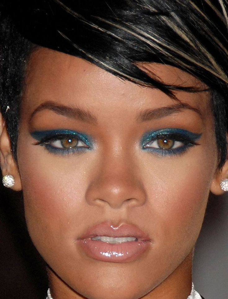 How to Wear Colored Eye Shadow Without Looking Crazy