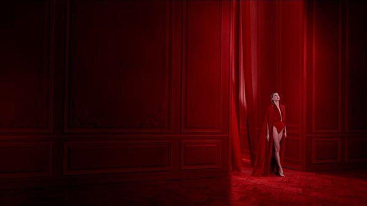 Agence : McCann Production : Quad Production Réalisateur : Bruno Aveillan  Producteur : Martin Coulais Post Production/VFX: Fix Studio Post producteur:…