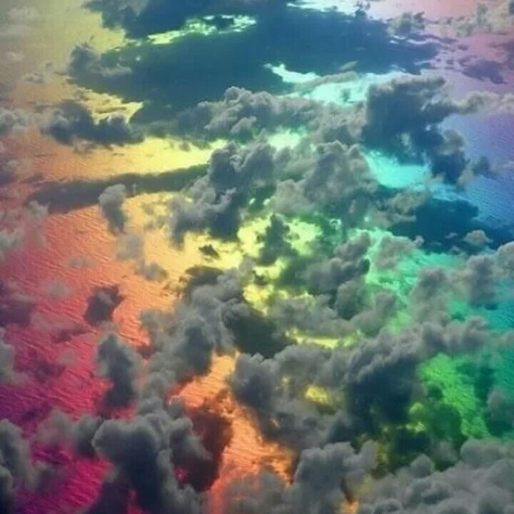 This is how the sky looks when there's a rainbow ♥