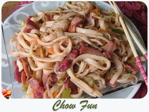 Try this delicious local style Chow Fun recipe. Great for upcoming family gatherings. Get more Hawaiian and local style recipes here.
