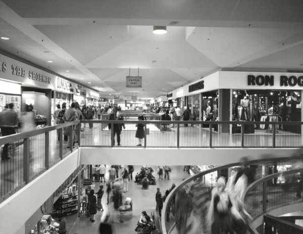 Highpoint Shopping Centre, Maribyrnong-Melbourne, Australia 1975. Photography by Wolfgang Sievers.
