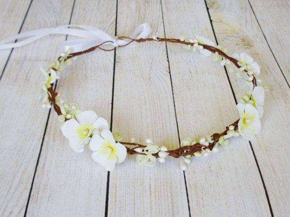 Bridal flower crown White floral headband Wedding hair by LumilinA
