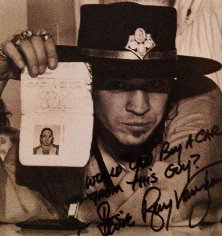 stevie ray vaughn essay Stevie ray vaughan vs jimi hendrix over the years stevie ray vaughan was subject to a lot of criticism for sounding similar to jimi hendrix which, in turn, led to an.